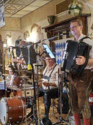 20181011 Oktoberfest Schenke
